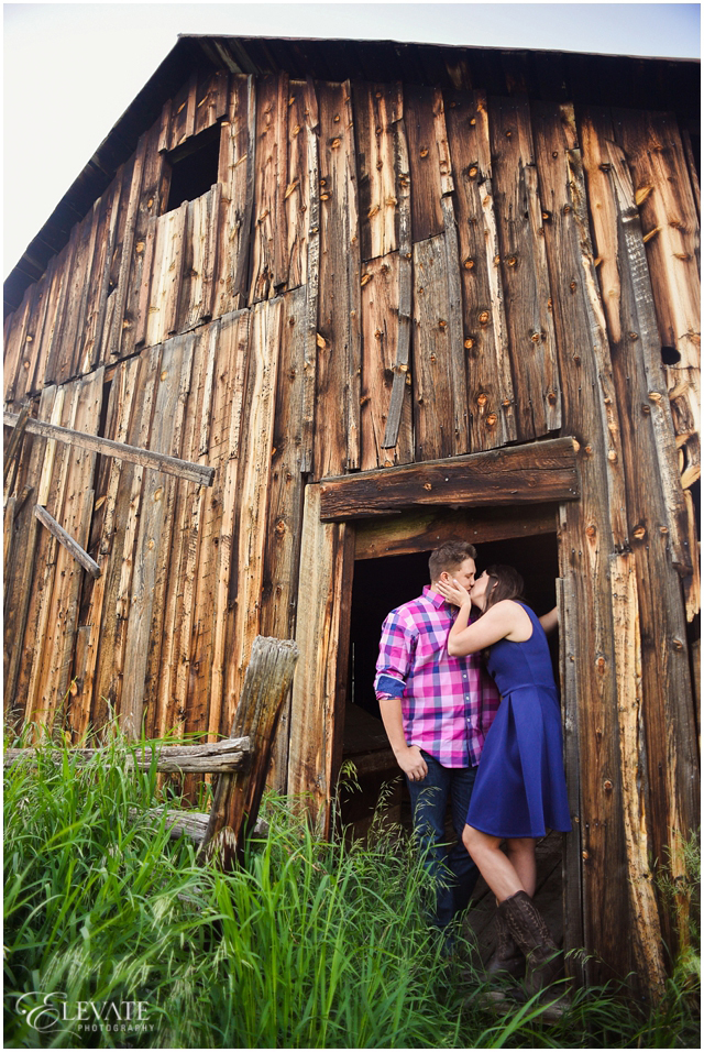 white_ranch_park_engagement_photos_0004