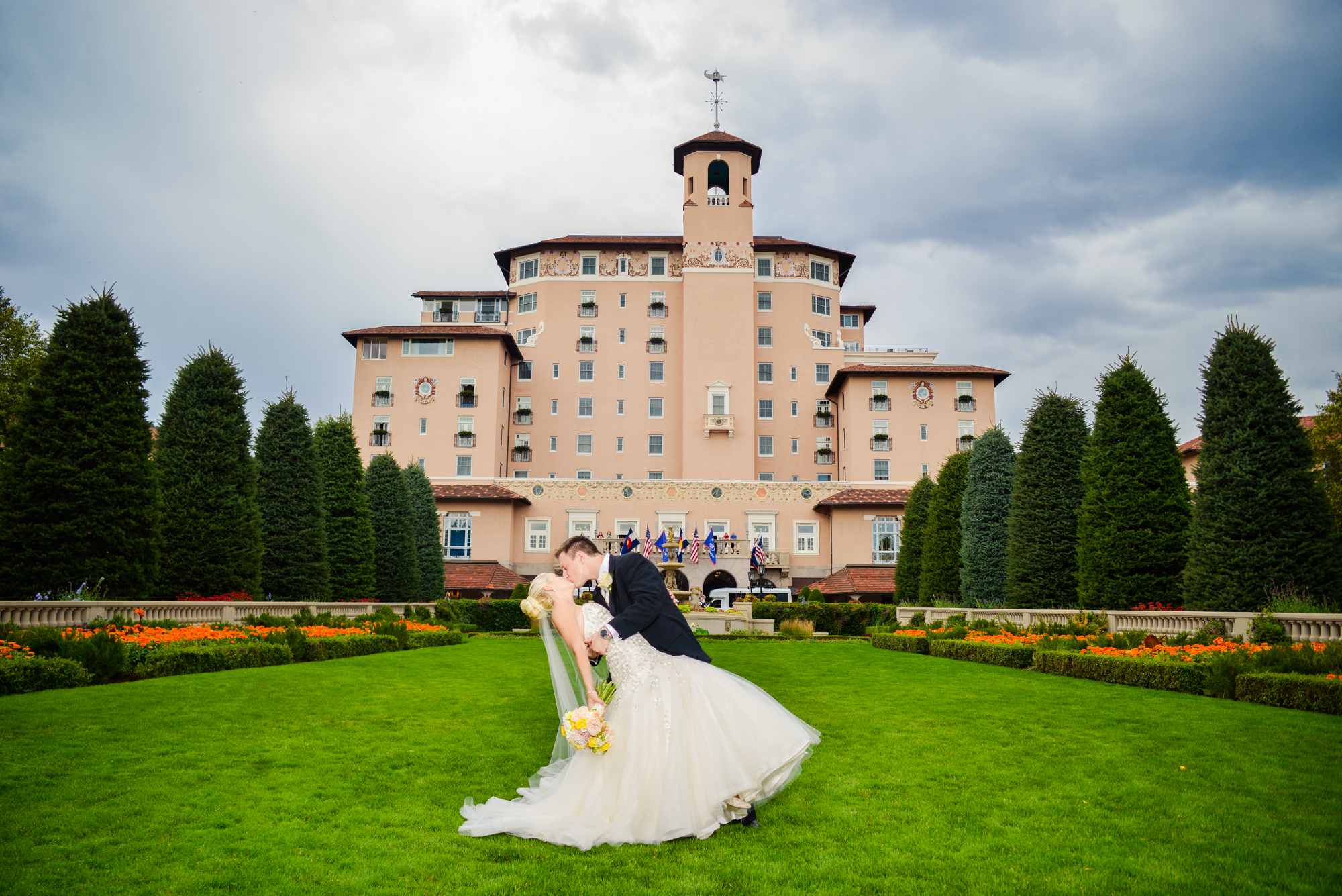 The broadmoor colorado springs wedding photos denver wedding the broadmoor wedding photos in colorado springs junglespirit Image collections