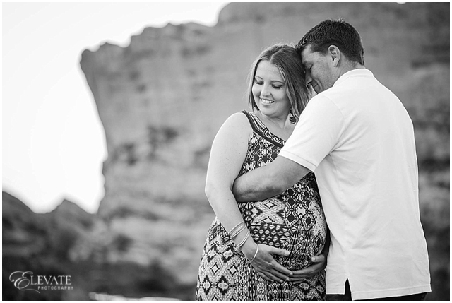 Red Rocks Maternity Photos_0006