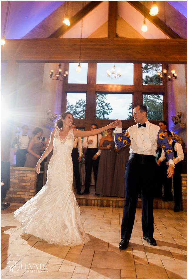 Avery Zach Della Terra Mountain Chateau Wedding Photos