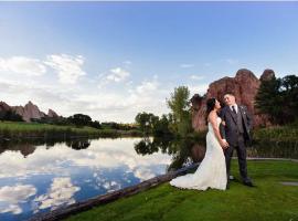 Arrowhead Wedding Photos Signature Hole