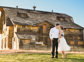 broomfield barn engagement pictures