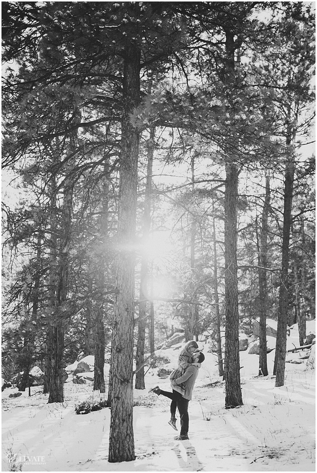 evergreen-colorado-winter-engagement-photos_0011
