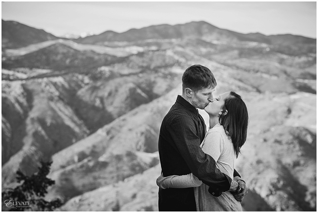 lookout-mountain-winter-engagement-photos_0009