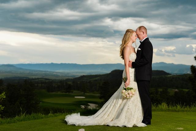 sanctuary golf course, the green bride, kimball floral, colorado wedding photographer, colorado bride
