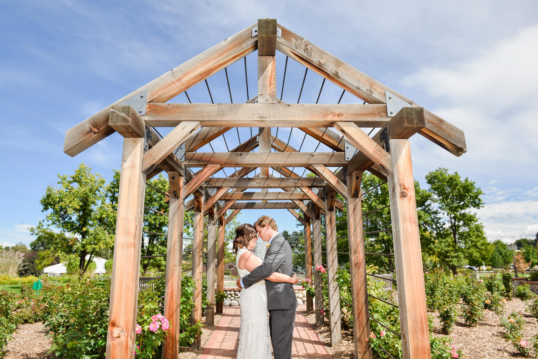 Ashley + Brandon   Hudson Garden Wedding Photos